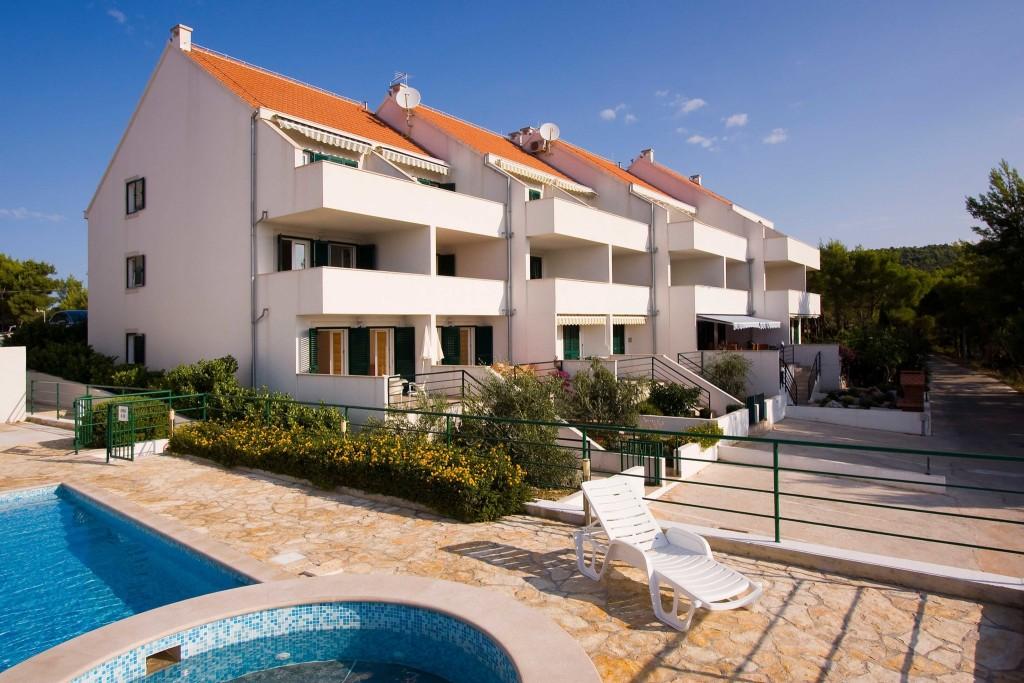 Emerald Apartments, Milna, Brac Island (1)