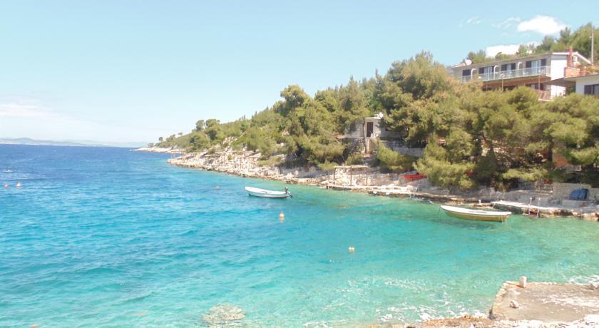 Lila Bay Beach Villa, Hvar Island  (4)