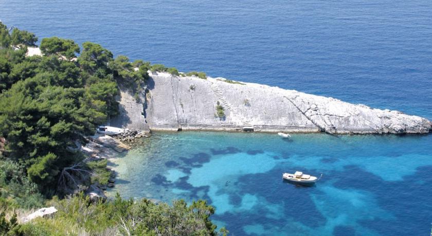 Loza Bay, Hvar Island (6)