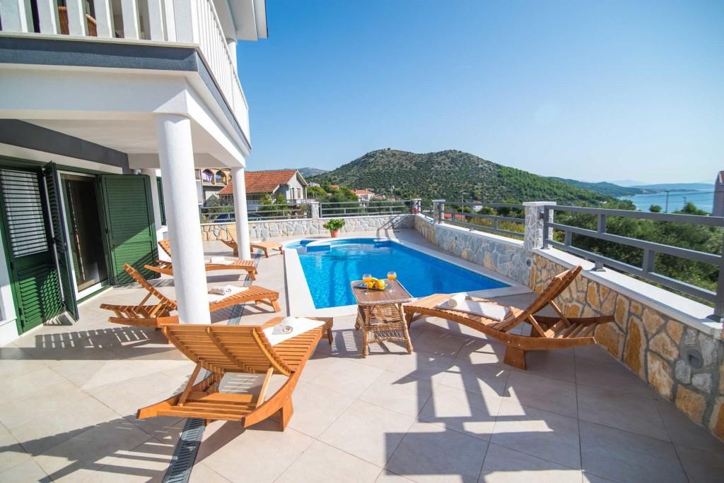 Villa-Marina-Beach,-Marina-Bay,-Trogir,-Split-Riviera-(10)