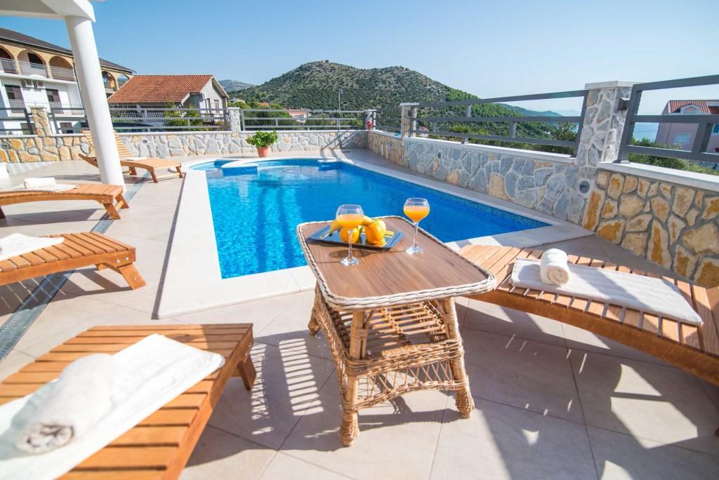 Villa-Marina-Beach,-Marina-Bay,-Trogir,-Split-Riviera-(11)