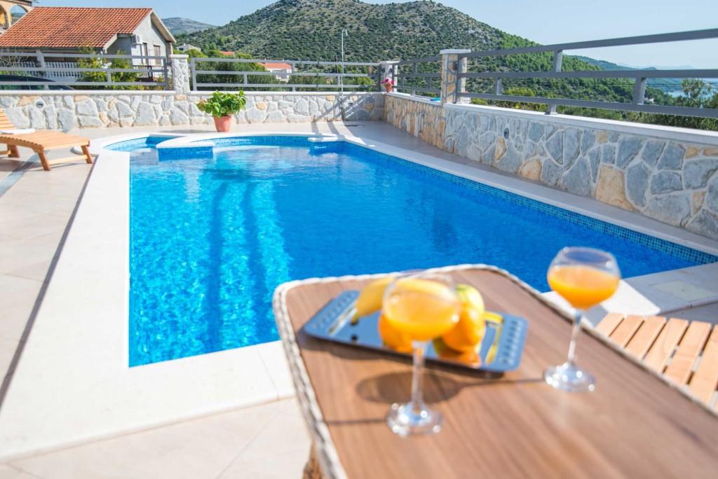 Villa-Marina-Beach,-Marina-Bay,-Trogir,-Split-Riviera-(12)