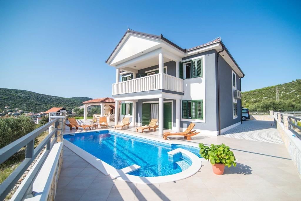 Villa-Marina-Beach,-Marina-Bay,-Trogir,-Split-Riviera-(14)