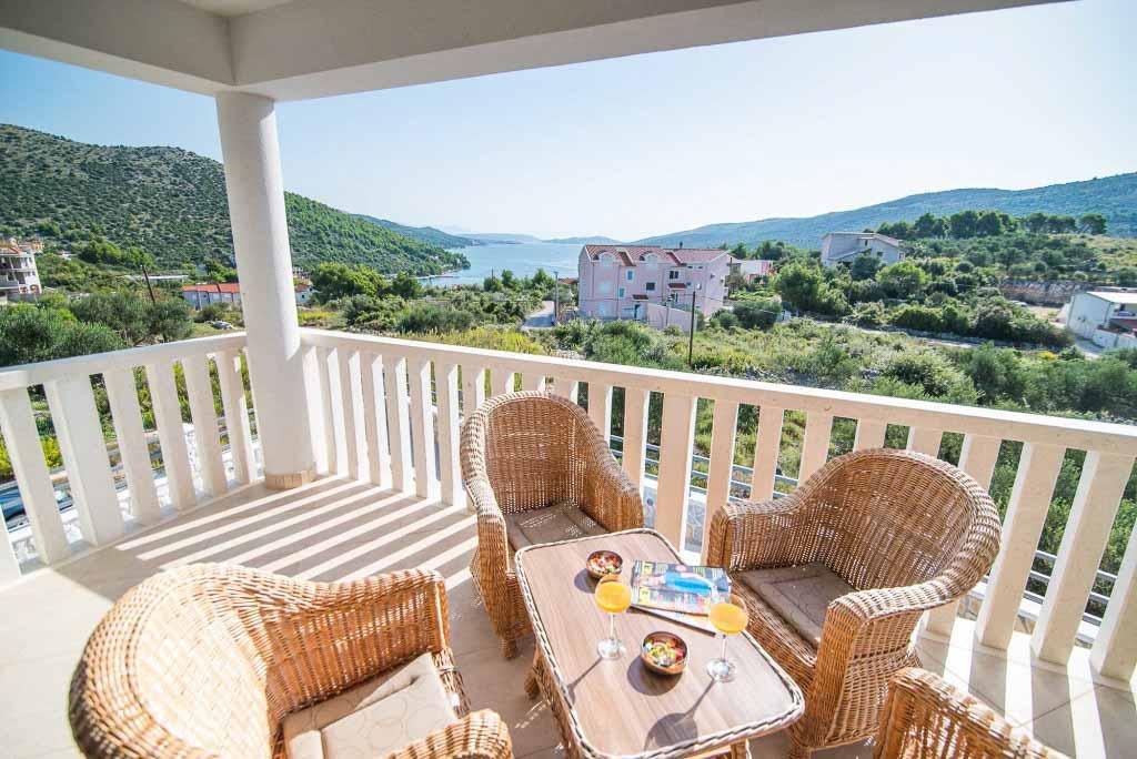 Villa-Marina-Beach,-Marina-Bay,-Trogir,-Split-Riviera-(9)