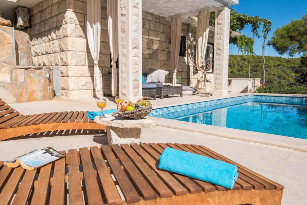 Villa Sinatra, Sumartin, Island of Brac (15)