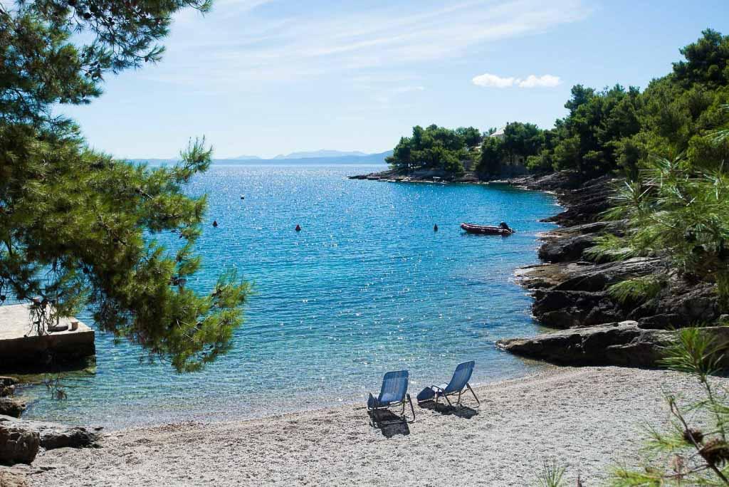 Villa-Turquoise,-Sumartin,-Brac-Island-(18)