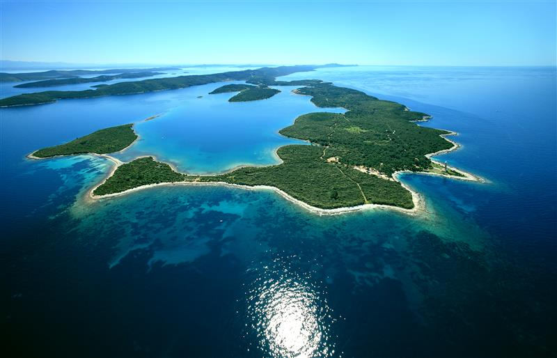Dugi Otok i Veli Rat by Boris Kacan via Croatian National Tourist Board