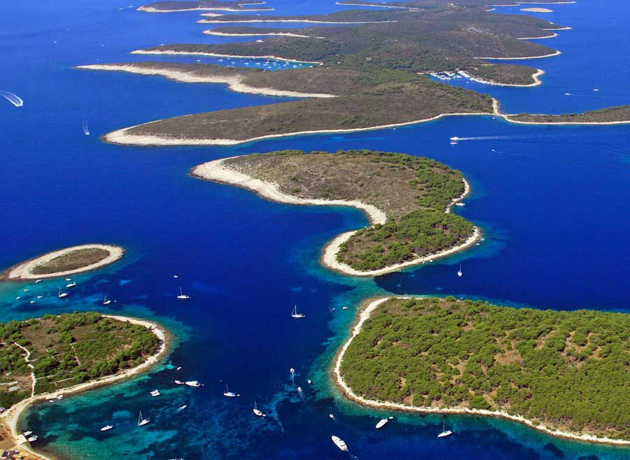 Pakleni Islands off Hvar Town, Split & Trogir Excursion (2)