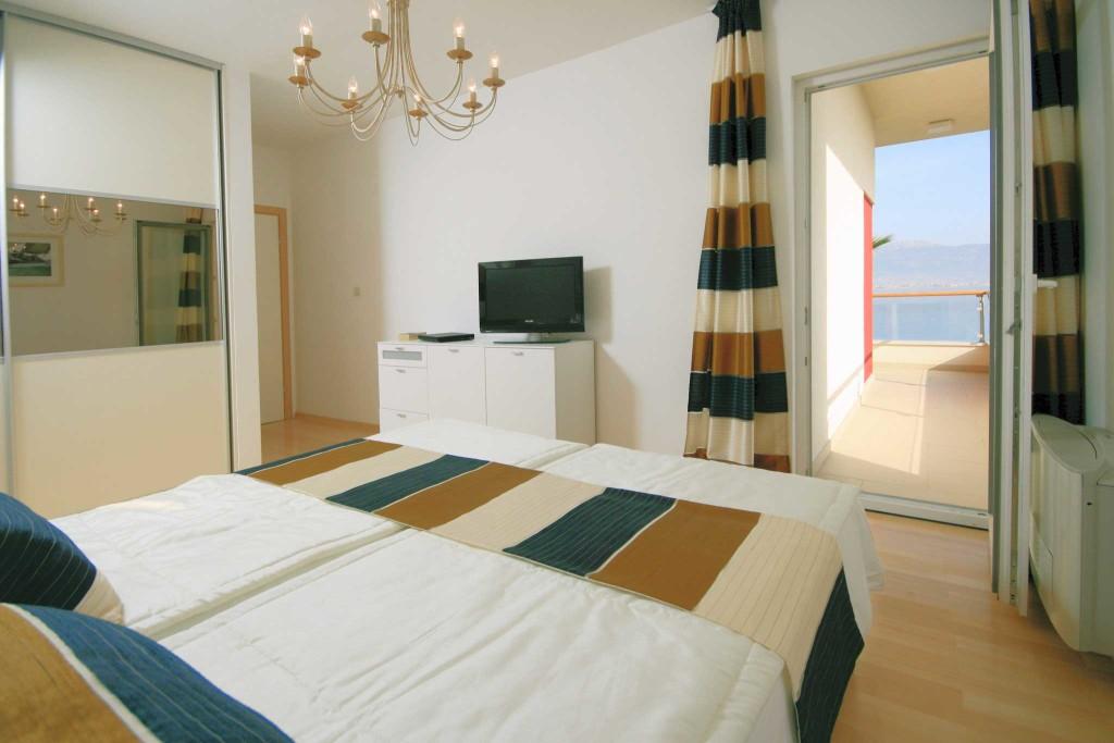 Palm-Tree-Villa,-Slatine-Bay,-Ciovo,-Trogir,-Split-Riviera-(98)