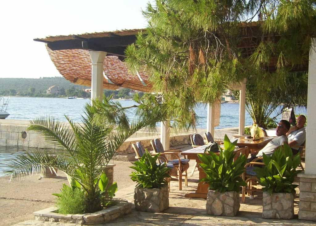 Restaurant Barsa, Loviste Bay, Peljesac Peninsula