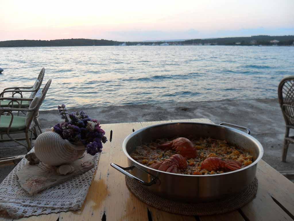Restaurant Barsa, Loviste Bay, Peljesac Peninsula (4)