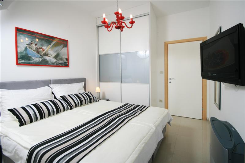 Palm Tree Garden Apartment, Slatine Bay, Split Riviera (2)