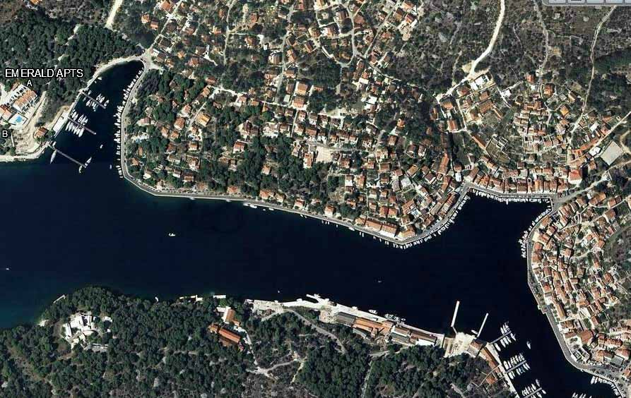 Location, Emerald Apartments, Milna Bay, Brac Island3