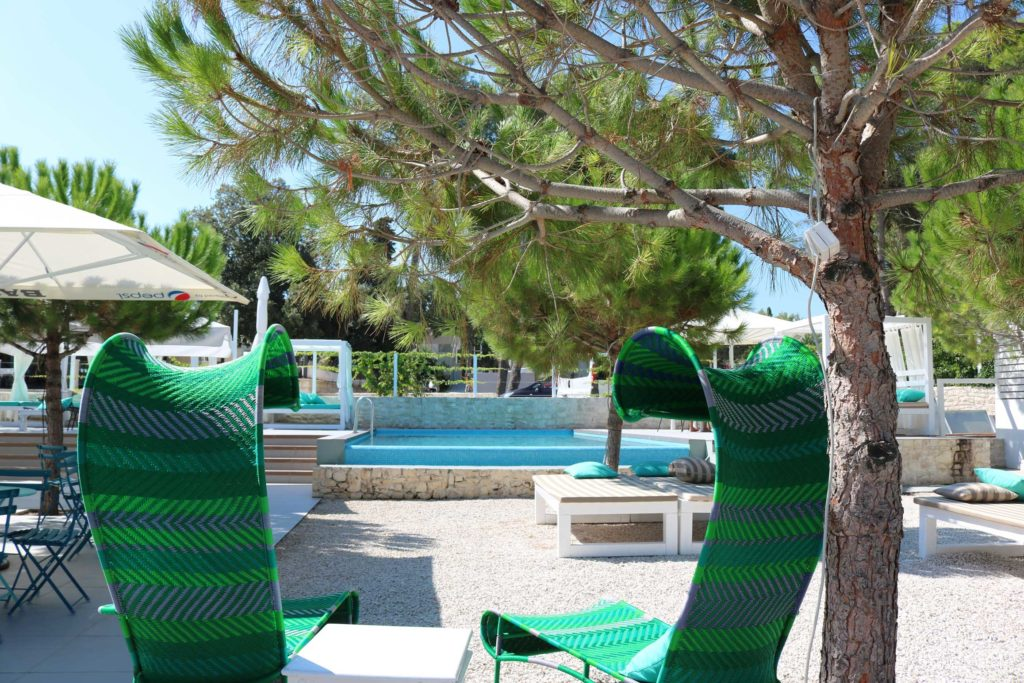 Beach-Club-&-Restaurant-Roso,-Supetar,-Brac-Island-(10)