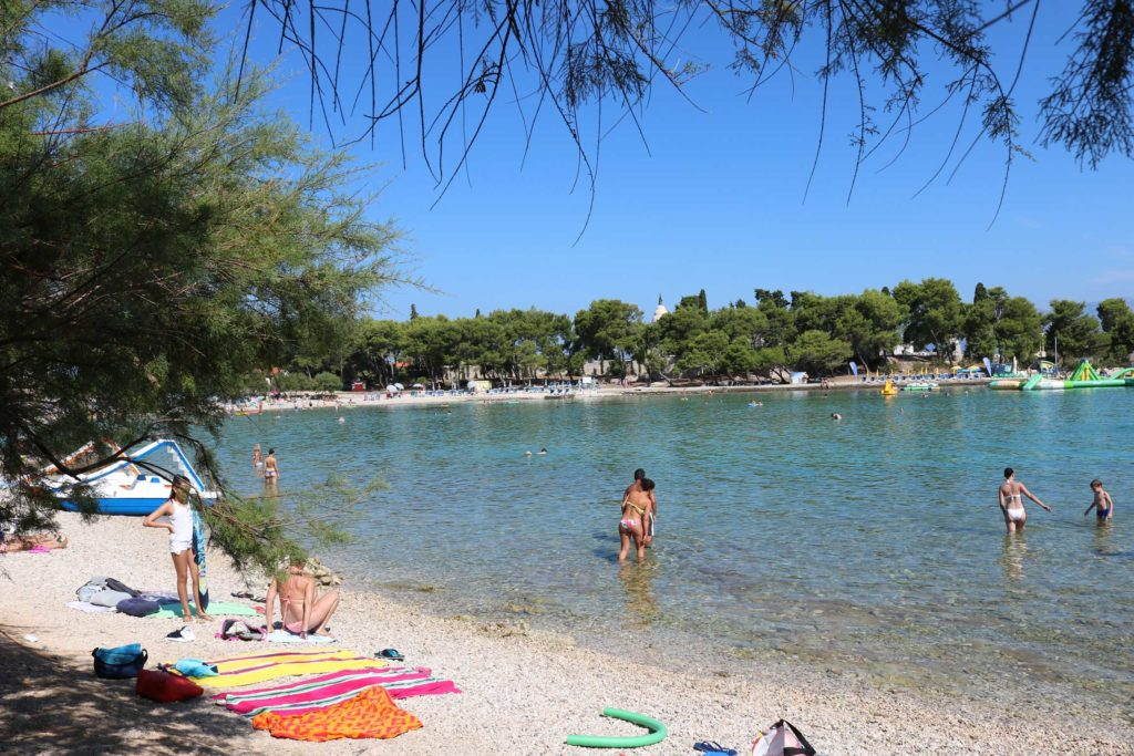 Beach-Club-&-Restaurant-Roso,-Supetar,-Brac-Island-(11)