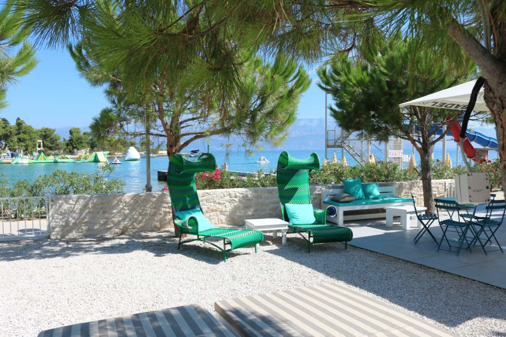 Beach-Club-&-Restaurant-Roso,-Supetar,-Brac-Island-(13)