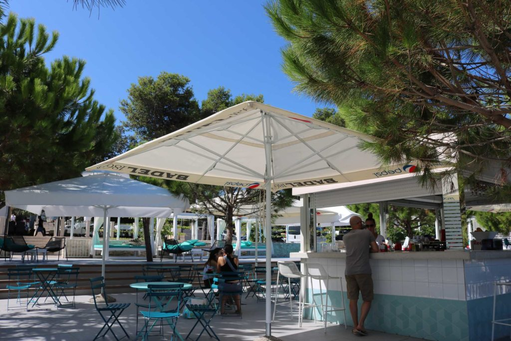 Beach-Club-&-Restaurant-Roso,-Supetar,-Brac-Island-(19)
