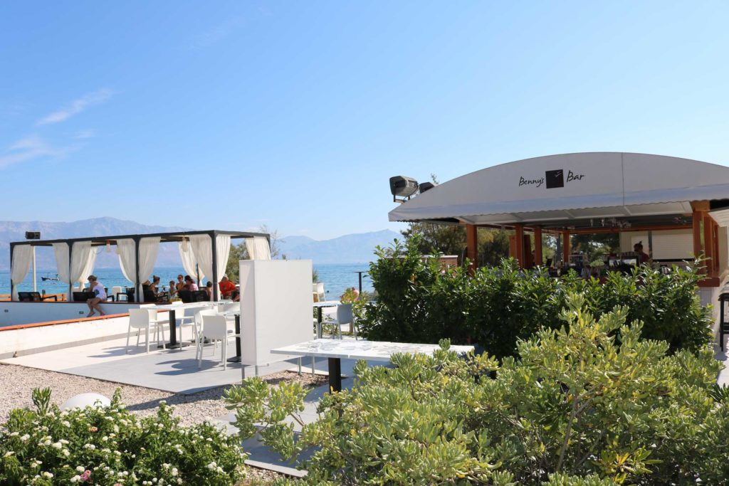 Beach-Club-&-Restaurant-Roso,-Supetar,-Brac-Island-(3)