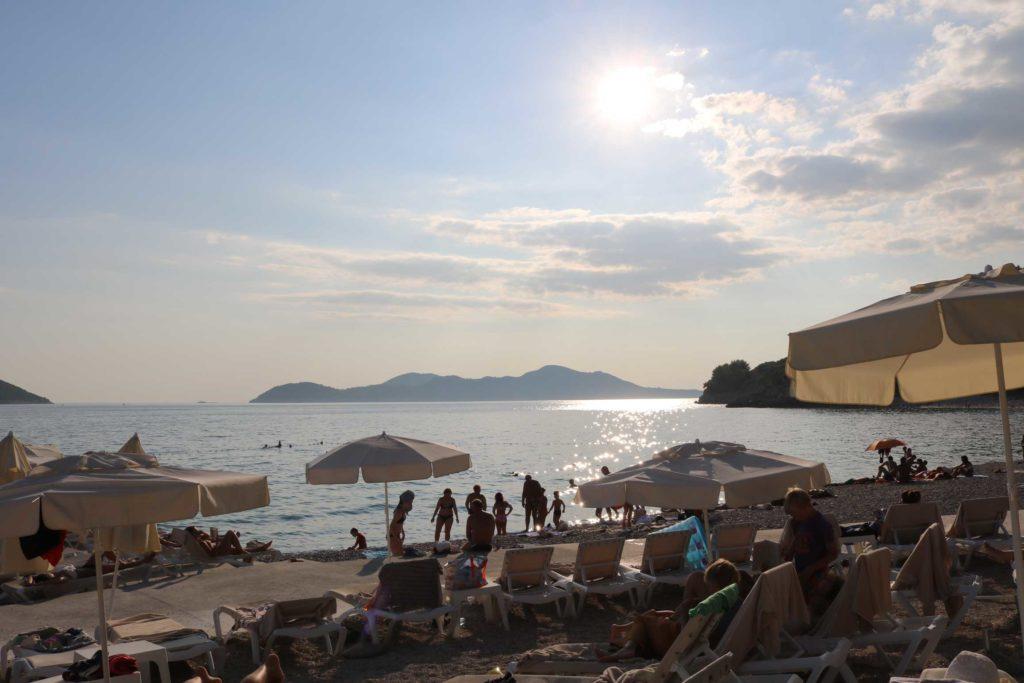 Orasac-Beach,-Radisson-Blu-Hotel,-Orasac-Coast,-Dubrovnik-Riviera-(10)