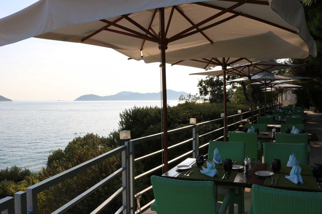 Orasac-Beach,-Radisson-Blu-Hotel,-Orasac-Coast,-Dubrovnik-Riviera-(12)