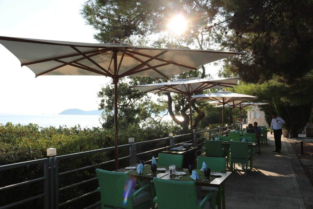 Orasac-Beach,-Radisson-Blu-Hotel,-Orasac-Coast,-Dubrovnik-Riviera-(13)