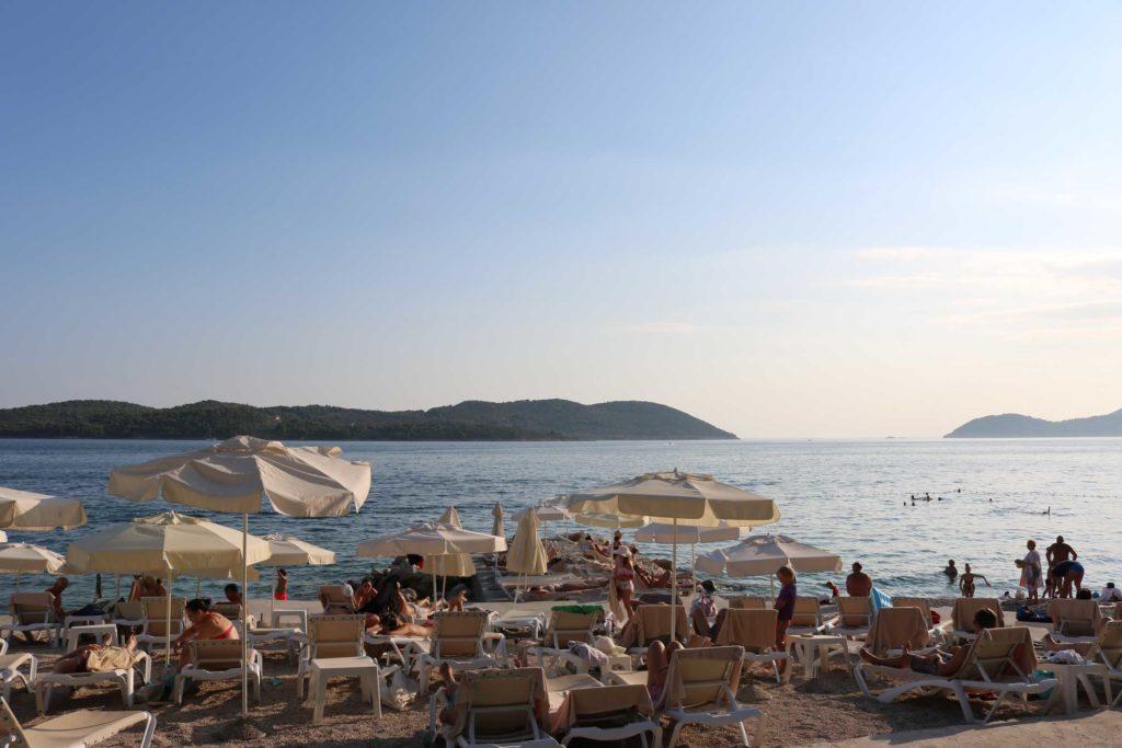 Orasac-Beach,-Radisson-Blu-Hotel,-Orasac-Coast,-Dubrovnik-Riviera-(8)