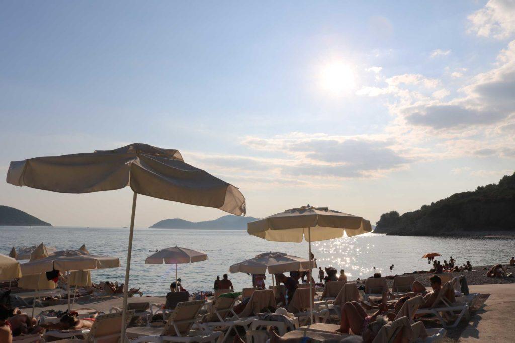 Orasac-Beach,-Radisson-Blu-Hotel,-Orasac-Coast,-Dubrovnik-Riviera-(9)