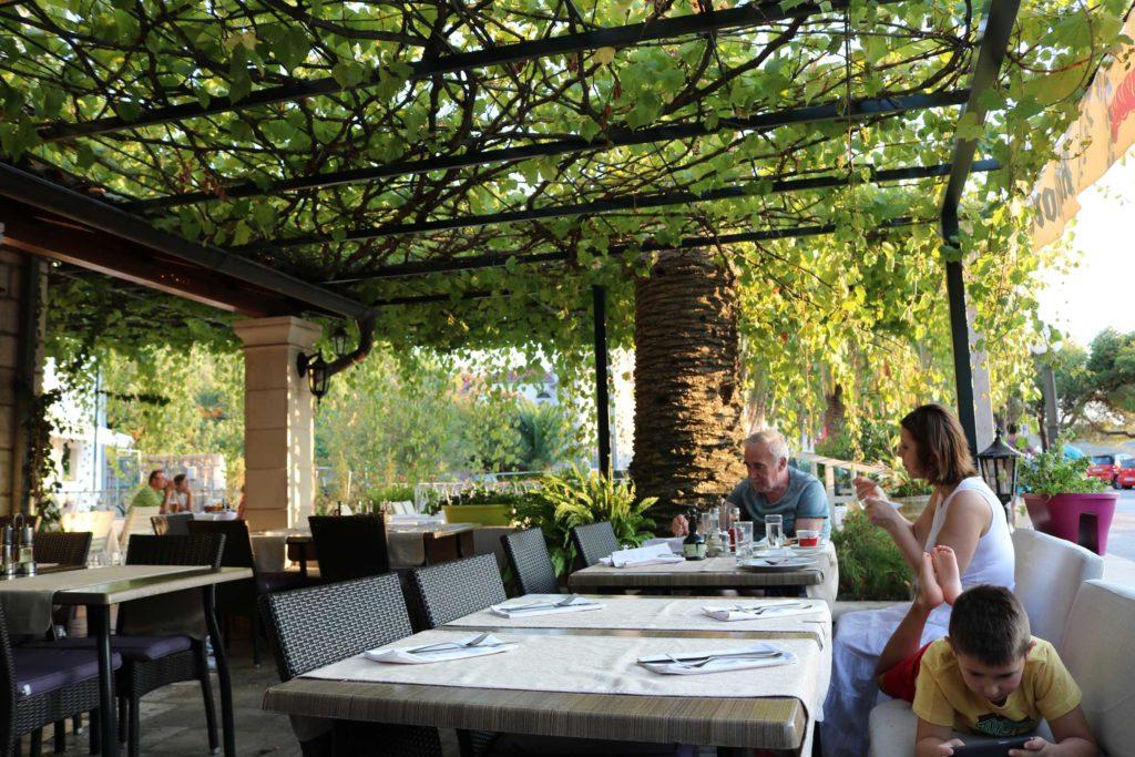 Restaurant,-Slano-Bay,-Dubrovnik-Riviera-(2)