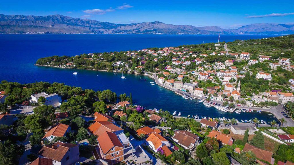 Splitska-Bay,-Brac-Island-(11) Aerial