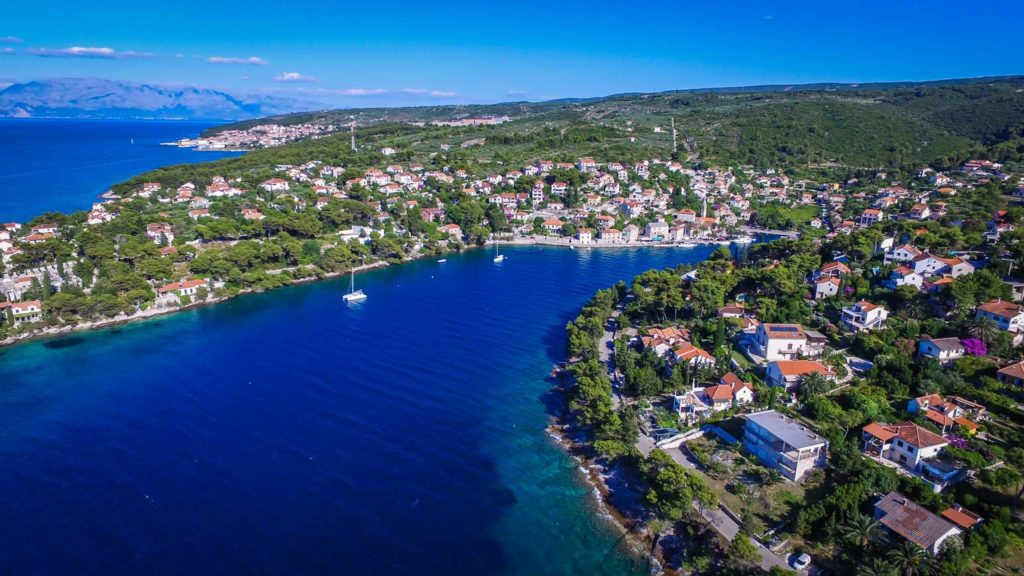 Splitska-Bay,-Brac-Island-(19) Aerial