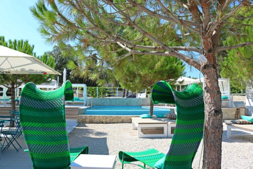 BEACH CLUB & RESTAURANT ROSO - Croatia Gems
