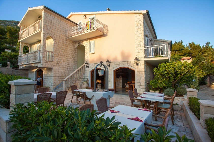 restaurant-adriatic-mokalo-bay-orebic-peljesac-peninsula-3