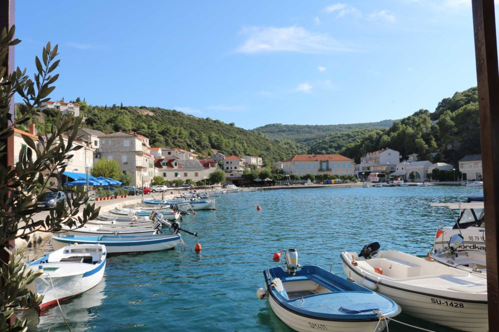 restaurant-kala-povlje-bay-brac-island-1