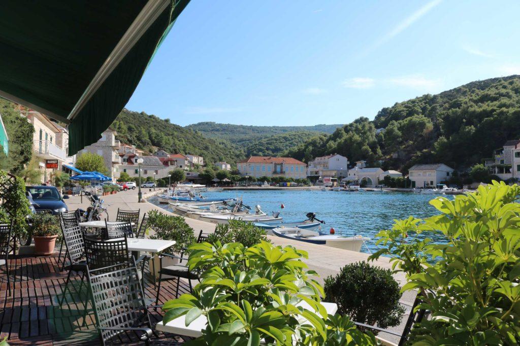restaurant-kala-povlje-bay-brac-island-3