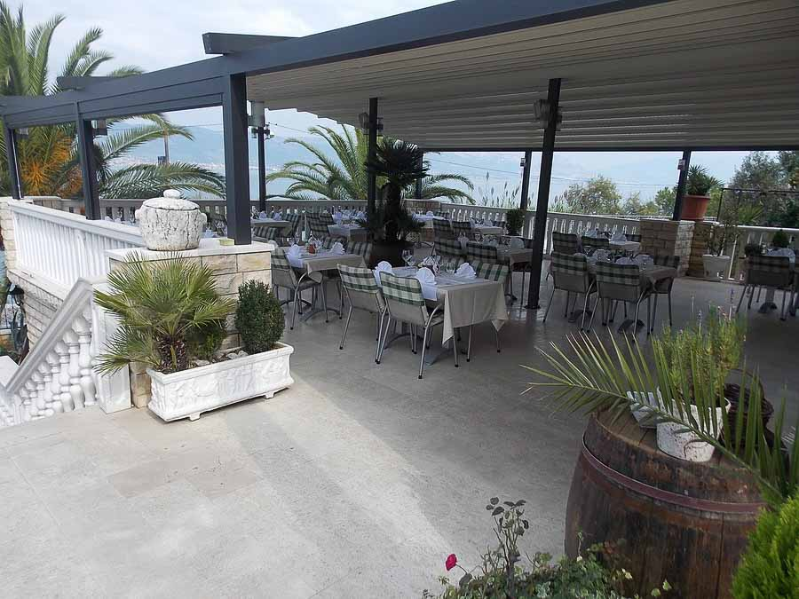 Restaurant Villa Tina, Arbanja, near Slatine Bay, Split Riviera (16)