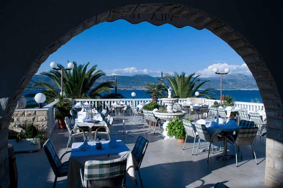 Restaurant Villa Tina, Arbanja, near Slatine Bay, Split Riviera (27)