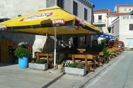 Restaurant_Pizzeria_Marin_Pucisca_Bay_Brac_Island TH
