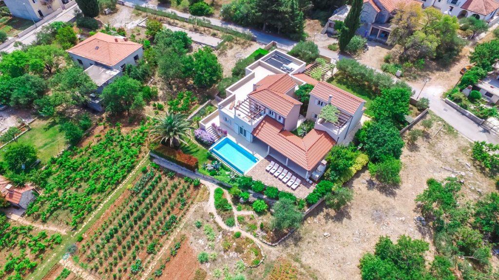Villa-Nicholina-&-Villa-Corrine,-Mirca-Bay,-Brac-Island-(13)