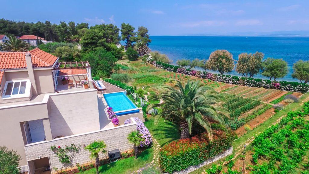Villa-Nicholina-&-Villa-Corrine,-Mirca-Bay,-Brac-Island-(18)
