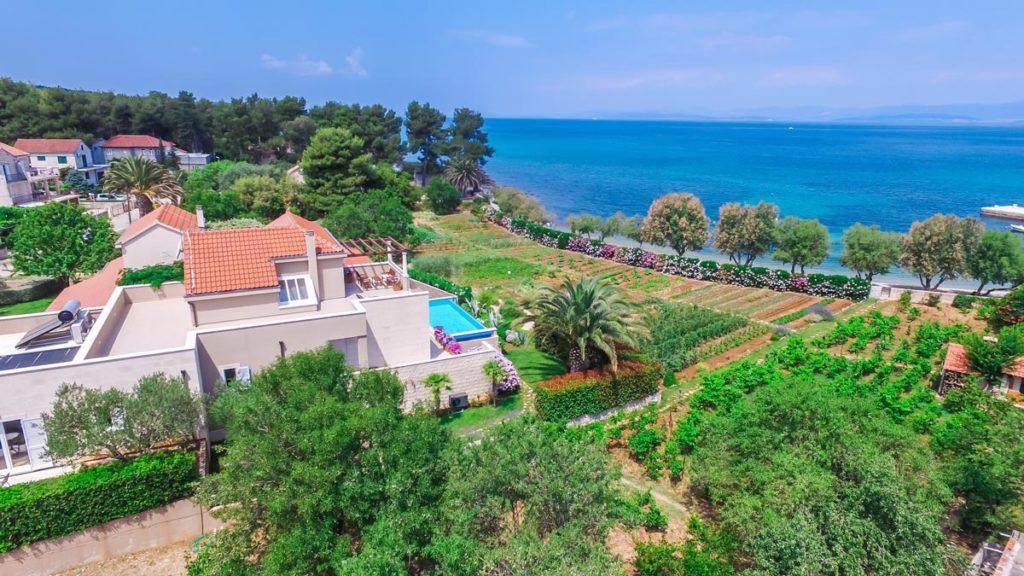 Villa-Nicholina-&-Villa-Corrine,-Mirca-Bay,-Brac-Island-(20)