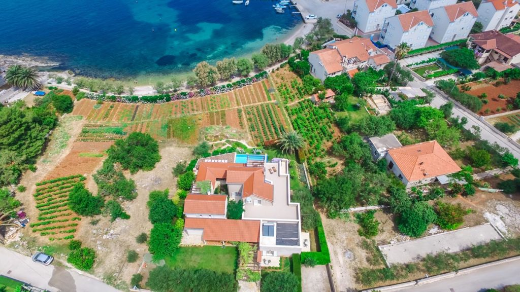 Villa-Nicholina-&-Villa-Corrine,-Mirca-Bay,-Brac-Island-(22)