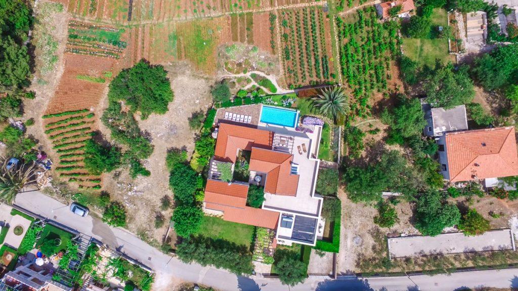 Villa-Nicholina-&-Villa-Corrine,-Mirca-Bay,-Brac-Island-(26)