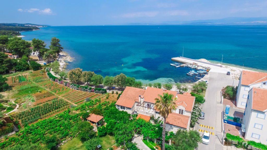 Villa-Nicholina-&-Villa-Corrine,-Mirca-Bay,-Brac-Island-(27)