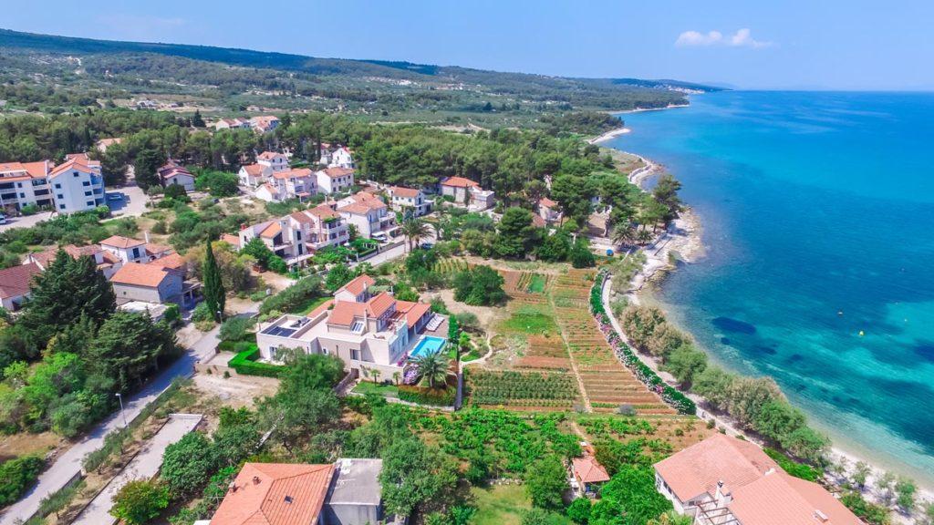 Villa-Nicholina-&-Villa-Corrine,-Mirca-Bay,-Brac-Island-(3)