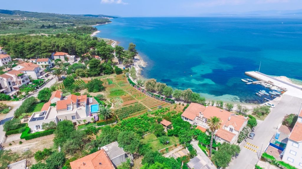 Villa-Nicholina-&-Villa-Corrine,-Mirca-Bay,-Brac-Island-(4)