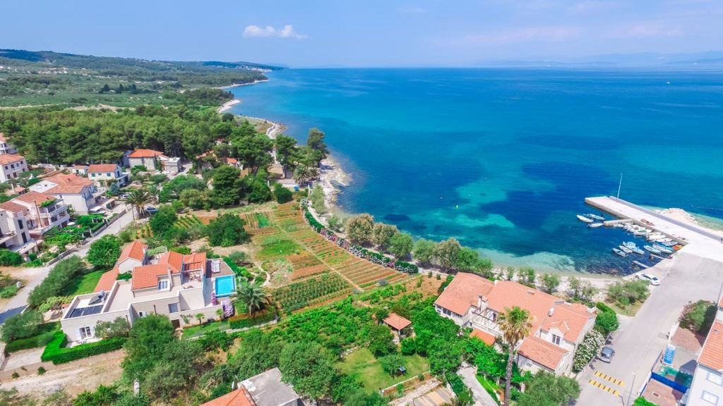Villa-Nicholina-&-Villa-Corrine,-Mirca-Bay,-Brac-Island-(5)