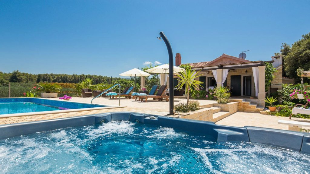 Villa Romantica, Mirca Bay, Brac Island (29)