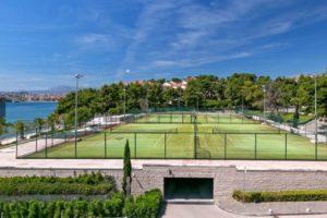 Tennis Courts, Le Meridien Lav