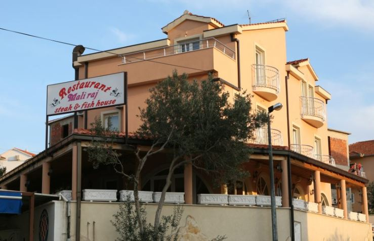 Restaurant Mali Raj, Okrug Gornji, Split Riviera 8