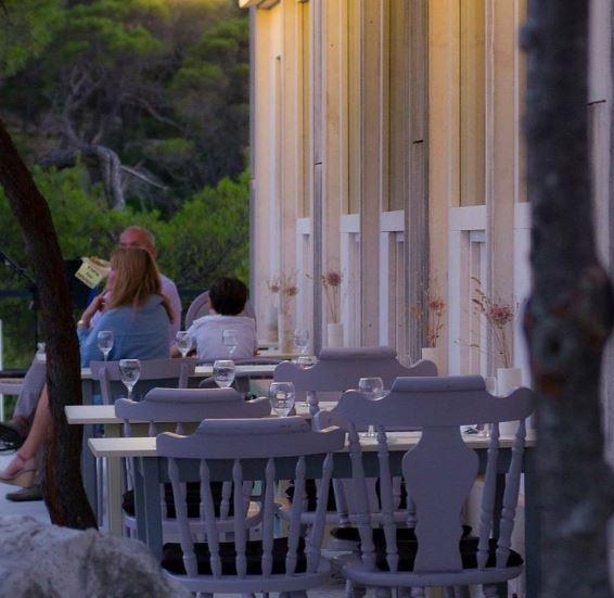 Restaurant Park Petrovac, Suumartin Bay, Brac island 10